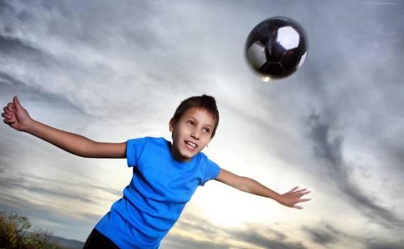 Normal_1374059535_283513_sport_futbol_myach_oboi_2560x1600