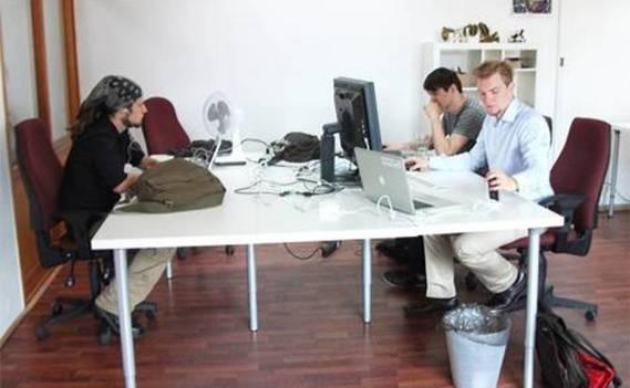 Normal_deskmag-coworking-869