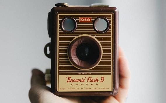 Normal_hand-taking-photo-photography-vintage