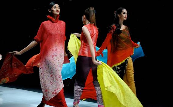Normal_jakarta_fashion_week_2013_indonesia_0183